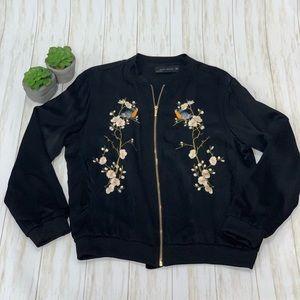 889da4c1e Women Zara Embroidered Jacket on Poshmark